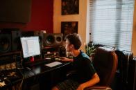 Studio Music Producer Ryan Elliott
